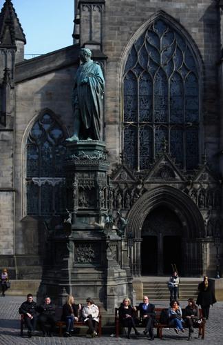 Единбург, Шотландія. Старе місто. Фото: Jeff J Mitchell / Getty Images