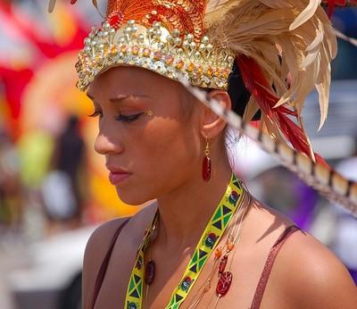 Краса та різноманітність головних уборів на Карибському карнавалі. Фото:DanliThe Epoch Times