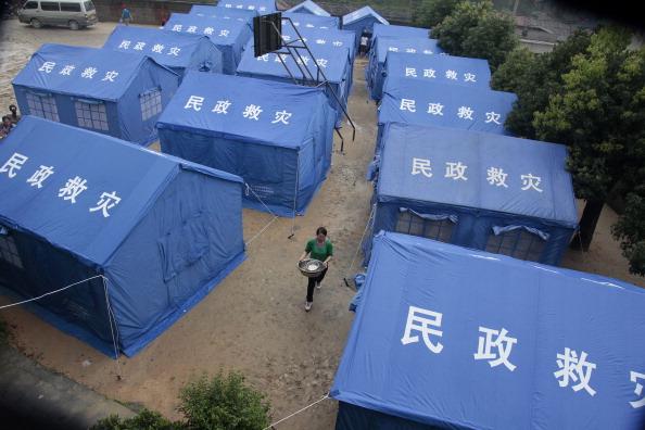 Палаточный лагерь — временное пристанище для пострадавших. Провинция Хунань, Китай. Фото: STR/AFP/Getty Images