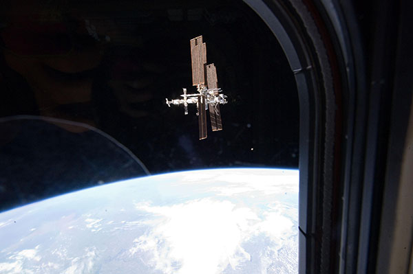 19 липня. Прощальний знімок МКС з ілюмінатора шатла «Атлантіс». Фото: nasa.gov