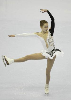 Произвольная программа Саша Коэн под музыку из балета  «Лебединое озеро»  во время национального чемпионата США в 2004 г. Фото: Matthew Stockman/Getty Images