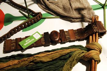 У Парижі пройшла триденна міжнародна виставка одягу INTERSELECTION, на якій також було представлено й інші елементи гардеробу, що будуть модними у 2008 р. Фото: Interselection Groupe Eurovet