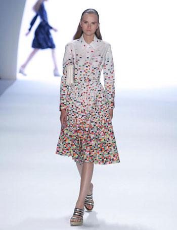 Колекція сезону весна-2008 від Anne Klein на Тижні моди Mercedes-Benz Fashion Week у Нью-Йорку. Фото: Mark Mainz/Getty Images for IMG