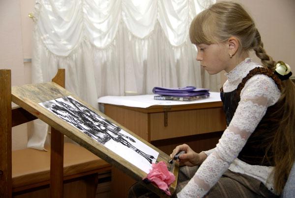 Конкурс дитячого малюнка в рамках фестивалю 'Обдаровані діти України' в Києві 28 травня 2008 року. Фото: The Epoch Times