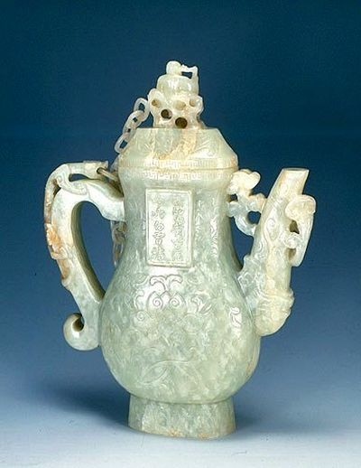 Юйчі - вироби з нефриту. Фото з secretchina.com