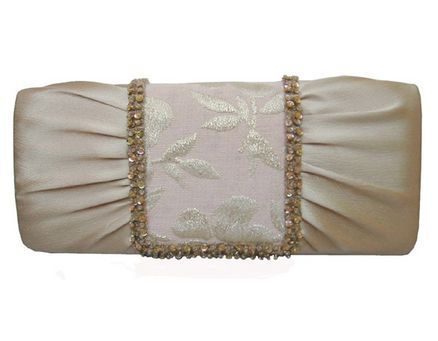 Роскошная сумочка для невесты. Фото с efu.com.cn
