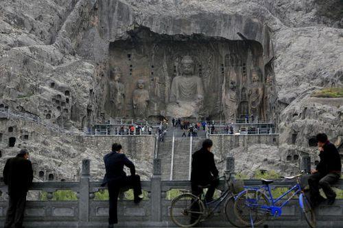Гроты Лунмэнь на окраинах г. Лоян в китайской провинции Хэнань. Фото: China Photos/Getty Images
