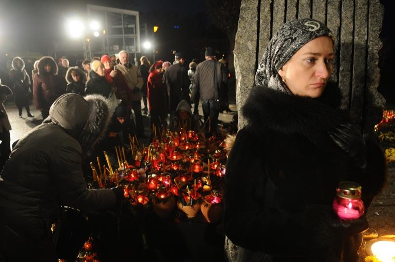 Поминальные мероприятия в память о жертвах Голодомора 1932-1933 годов состоялись в Киеве 26 ноября. Фото: Владимир Бородин/The Epoch Times Украина