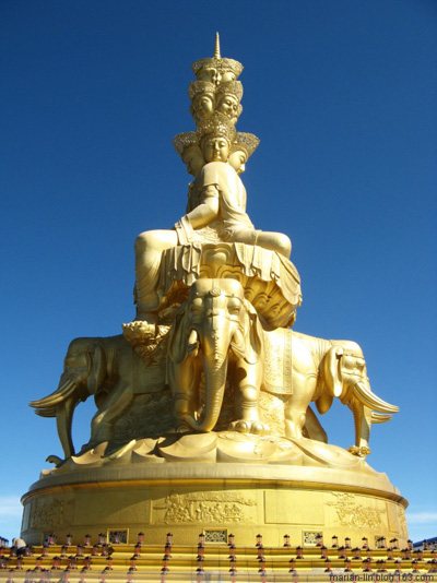 Статуя Будди Самантабхадра. Гори Емей. Фото з secretchina.com