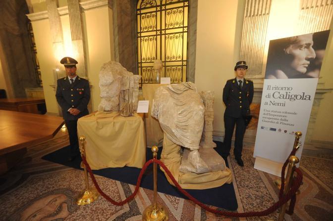 Гігантську статую Калігули знайшла італійська поліція. Фото: roma.corriere.it