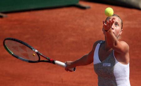 Українська тенісистка Олена Бондаренко під час великого турніру з тенісу, що пройшов у Варшаві. Фото: WOJTEK RADWANSKI/AFP/Getty Images