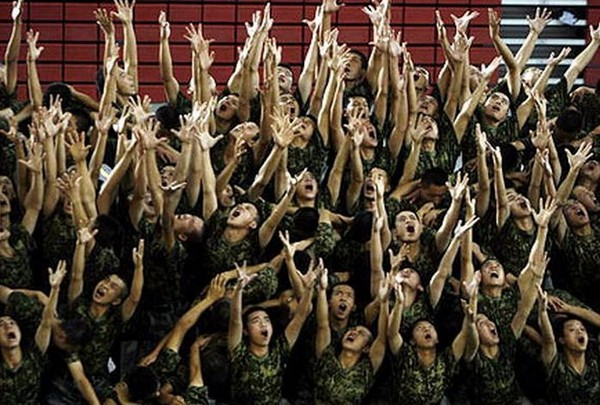 Сцени танцювальної постановки «Шлях відродження». Фото з epochtimes.com