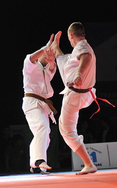 Бій представників кіокушин карате на Олімпіаді бойових мистецтв у Києві 12 березня 2011 року. Фото: Володимир Бородін / The Epoch Times Україна