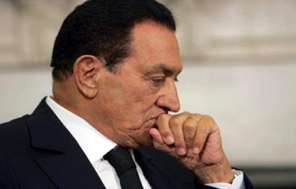 Хосни Мубарак просит помощи у Европы и США спасти его семью