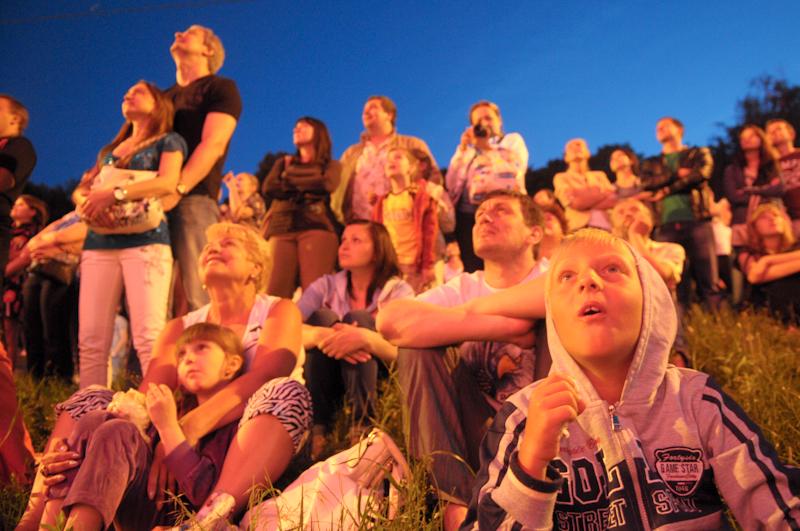 Пиротехническое шоу прошло на Певческом поле в Киеве 12 мая 2012 года. Фото: Владимир Бородин / EpochTImes.com.ua