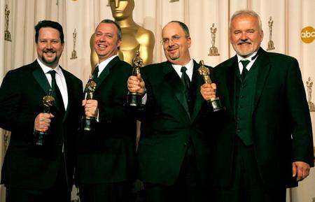 Джон Нолл (John Knoll), Хел Т. Хікл (Hal T. Hickel), Ален Хол (Allen Hall) і Чарльз Гібсон (Charles Gibson). 'Оскара' у найтехнологічнішій номінації - 'Кращі спецефекти' - отримала картина 'Пірати Карибського моря-2' (Pirates of the Caribbean: Dead Man's