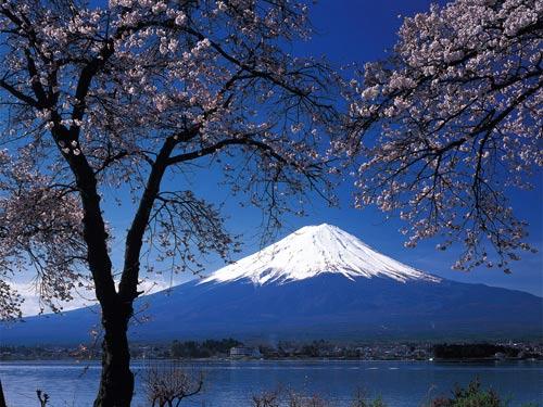 Гори Фудзіяма, Японія.