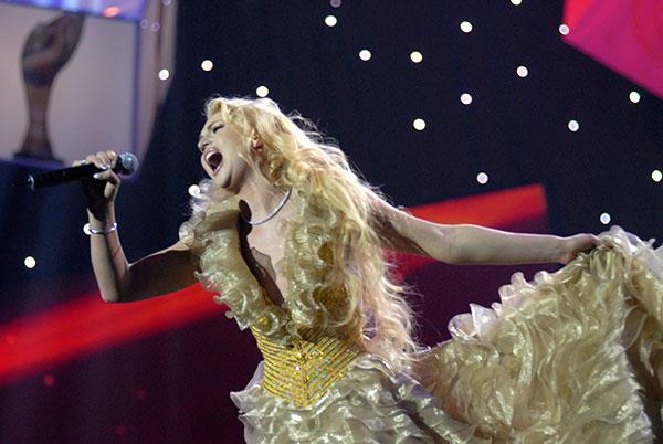 Співачка Камалія виступила на церемонії нагородження премією «Людина року - 2009». Фото: Володимир Бородін/The Epoch Times