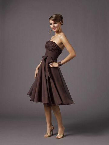 Короткі вечірні сукні Mori Lee. Фото: efu.com.cn
