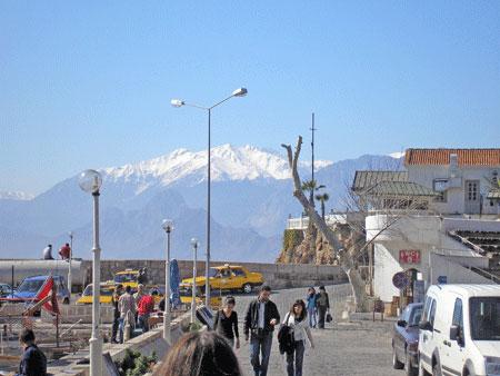 Набережна анталійського порту. Фото: Олена Підсосонна