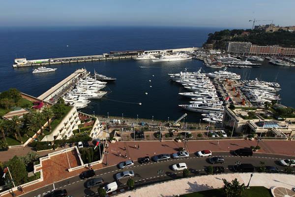 Підготовка до королівського весілля в князівстві Монако. Фото: Dean Mouhtaropoulos/Getty Images