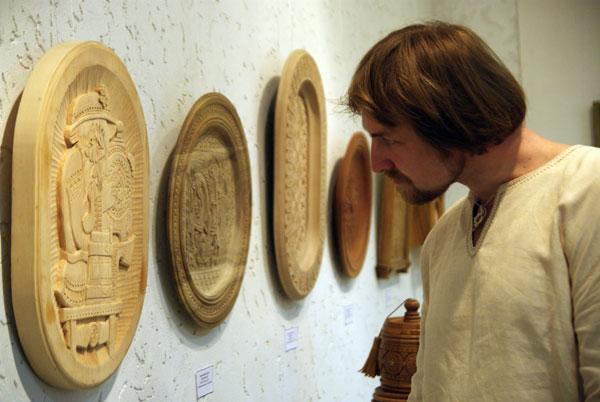 Виставка творів майстрів із Буковини відкрилася в Києві 25 червня. Фото: The Epoch Times