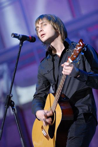 Соліст групи «Скай» на благодійному концерті «SOSстраданіє». Фото: Володимир Бородін/Велика Епоха