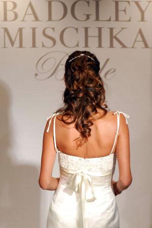 Колекція весільного вбрання від Badgley Mischka. Фото: Rob Loud/Getty Images
