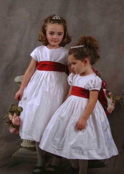 Симпатичні нарядні платтячка для дівчаток. Фото з efu.com.cn