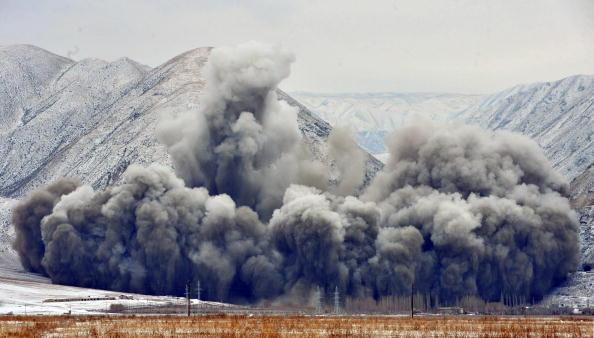 Киргизстан розпочав роботи з будівництва дамби на річці Нарин. Фото: VYACHESLAV OSELEDKO / AFP / Getty Images