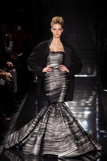Лучшие коллекции женской одежды, представленные на показе мод в Париже. Фото: AFP PHOTO/FRANCOIS GUILLOT