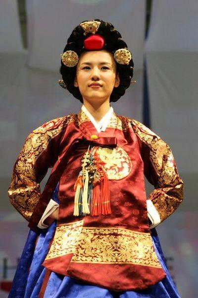 Корейські традиційні костюми.Фото: Chung Sung-Jun/Getty Images