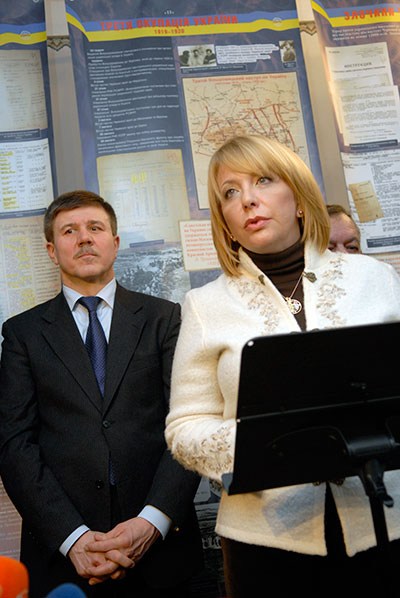 Екатерина Ющенко приняла участие в открытии документальной выставки «Народная война» в Киеве 21 января 2010 года. Фото: Владимир Бородин/The Epoch Times
