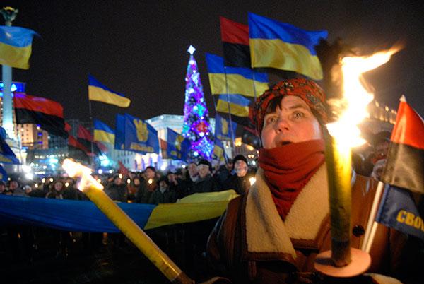 Марш в честь дня рождения лидера Организации Украинских Националистов Степана Бандеры прошел в Киеве 1 января 2010 года. Фото: Владимир Бородин/The Epoch Times