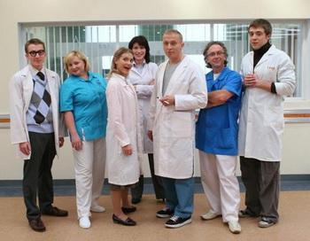 «Интерны». Команда терапевтического отделения в полном составе в сериале «Интерны». Фото с сайта vokrug.tv