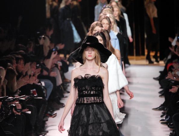 Nina Ricci на парижской неделе моды. Фото: PIERRE VERDY/AFP/Getty Images