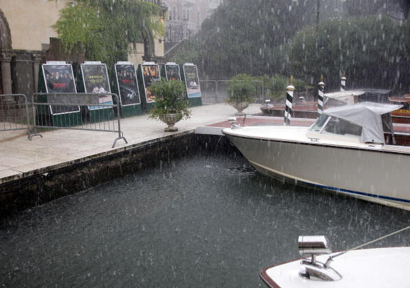 Шторм затопил Дворец кино Венецианского кинофестиваля. Фоторепортаж. Фото: Andreas Rentz /Gareth Cattermole/Getty Images