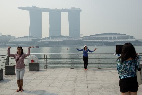 Сингапур окутал сильный смог. Фото: Chris McGrath/Getty Images