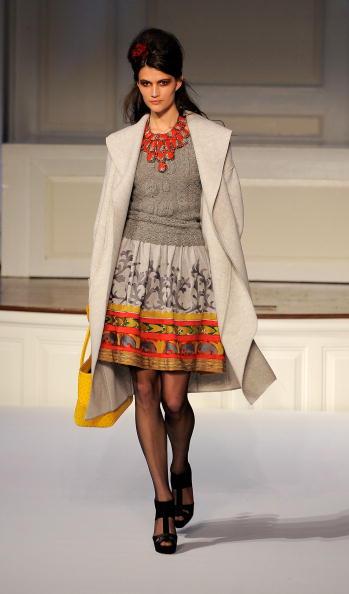 Новая коллекция Oscar De La Renta осень-2010. Фото: Jemal Countess/Getty Images