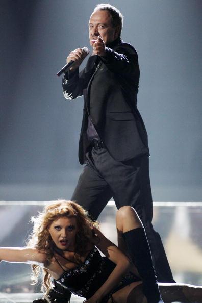 В первый день вместе с Петром Наличем на «Евровидения-2010» выступили участники из 17 стран. Гьёко Танески из Македонии. Фоторепортаж. Фото: CORNELIUS POPPE/AFP/Getty Images