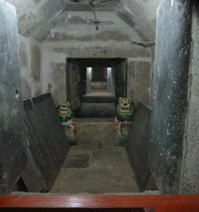 Подземное хранилище храма Фамэнь. Фото с wencaifeng.blog.sohu.com