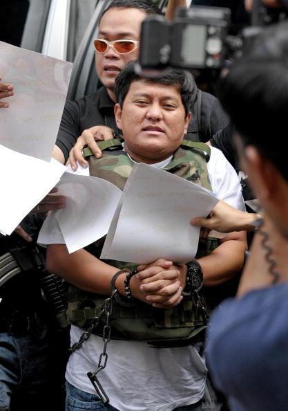 Сыну губернатора провинции Магинданао предъявлены официальные обвинения в организации убийства 57 человек, среди которых - 22 женщины перед смертью были подвергнуты сексуальным издевательствам. Филлипины. Фото: JAY DIRECTO/AFP/Getty Images