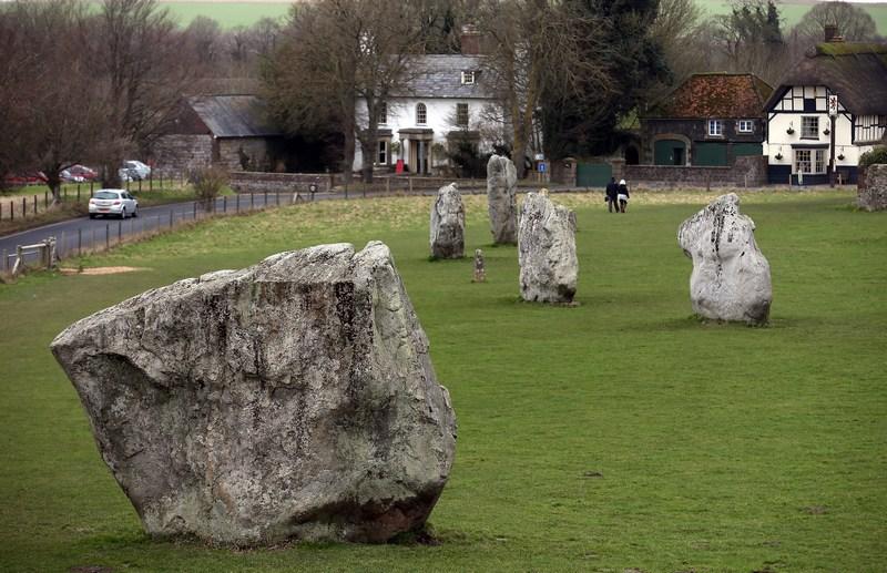 Эйвбери, Англия, 7 февраля. Мегалитический комплекс эпохи неолита признан вторым по значимости объектом мирового наследия. Фото: Matt Cardy/Getty Images