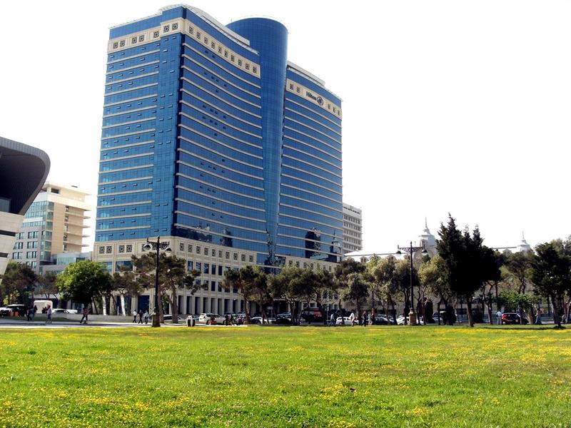 Баку. Отель «Хилтон». Фото: Khortan/en.wikipedia.org