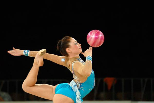 Этап Кубка мира 2009 года по художественной гимнастике проходит в Киеве. Фото: Владимир Бородин/The Epoch Times