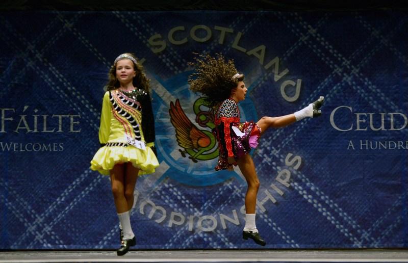 Глазго, Шотландия, 22 февраля. Около 2000 танцоров во всего мира принимают участие в 29-м чемпионате по ирландским танцам. Фото: Jeff J Mitchell/Getty Images