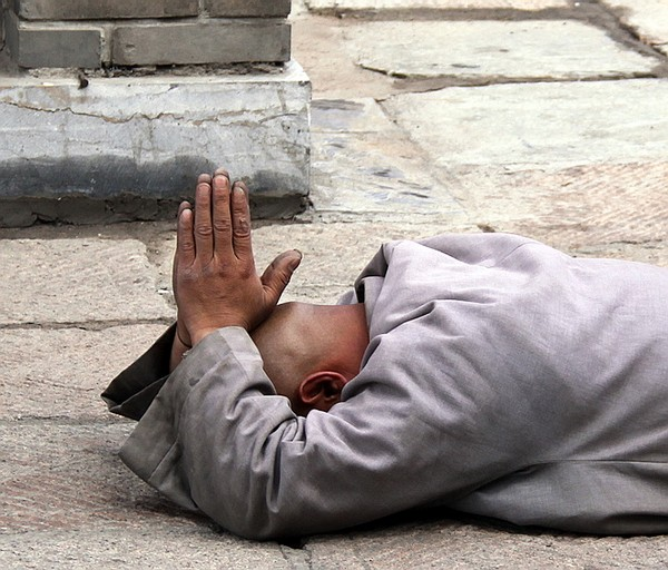 Монах-паломник на Утайшань. Фото с edoors.com