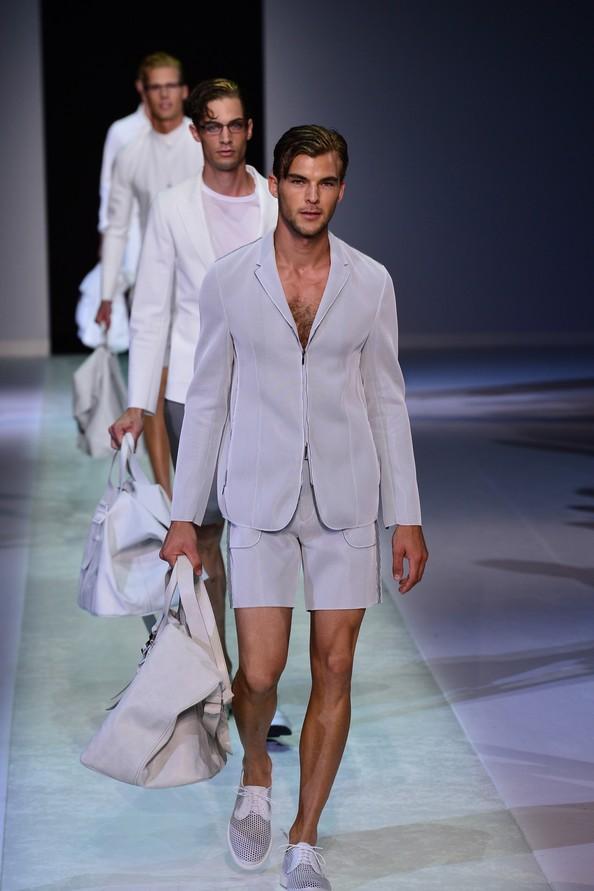 Emporio Armani, 24 июня на Миланской неделе мужской моды. Фото: GIUSEPPE CACACE/AFP/Getty Images