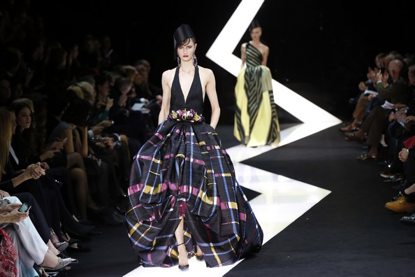 Высокая мода от Armani. Фото: PIERRE VERDY/AFP/Getty Images