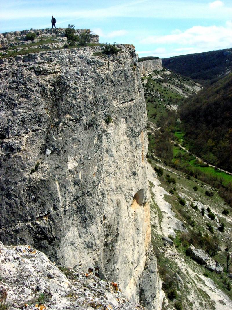 Скальный обрыв куэсты. Фото: Алла Лавриненко/Великая Эпоха